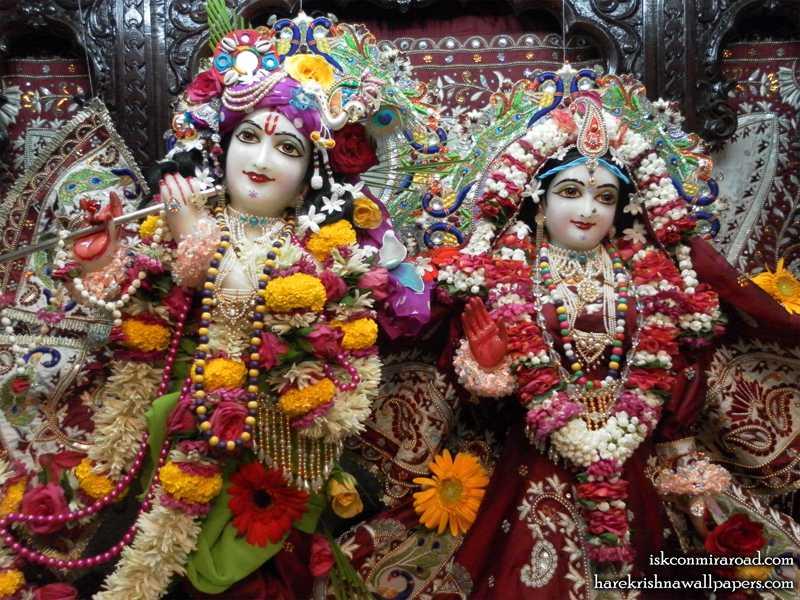 Sri Sri Radha Giridhari Close upWallpaper (009)