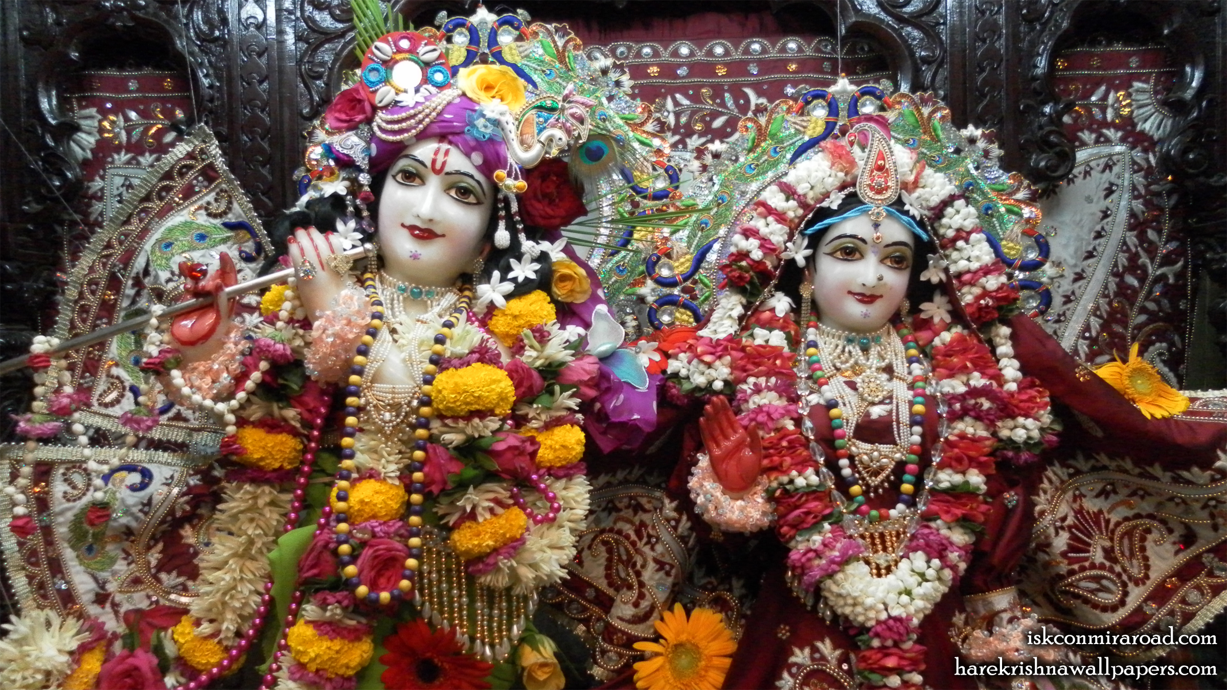 Sri Sri Radha Giridhari Close up Wallpaper (009) Size 2400x1350 Download