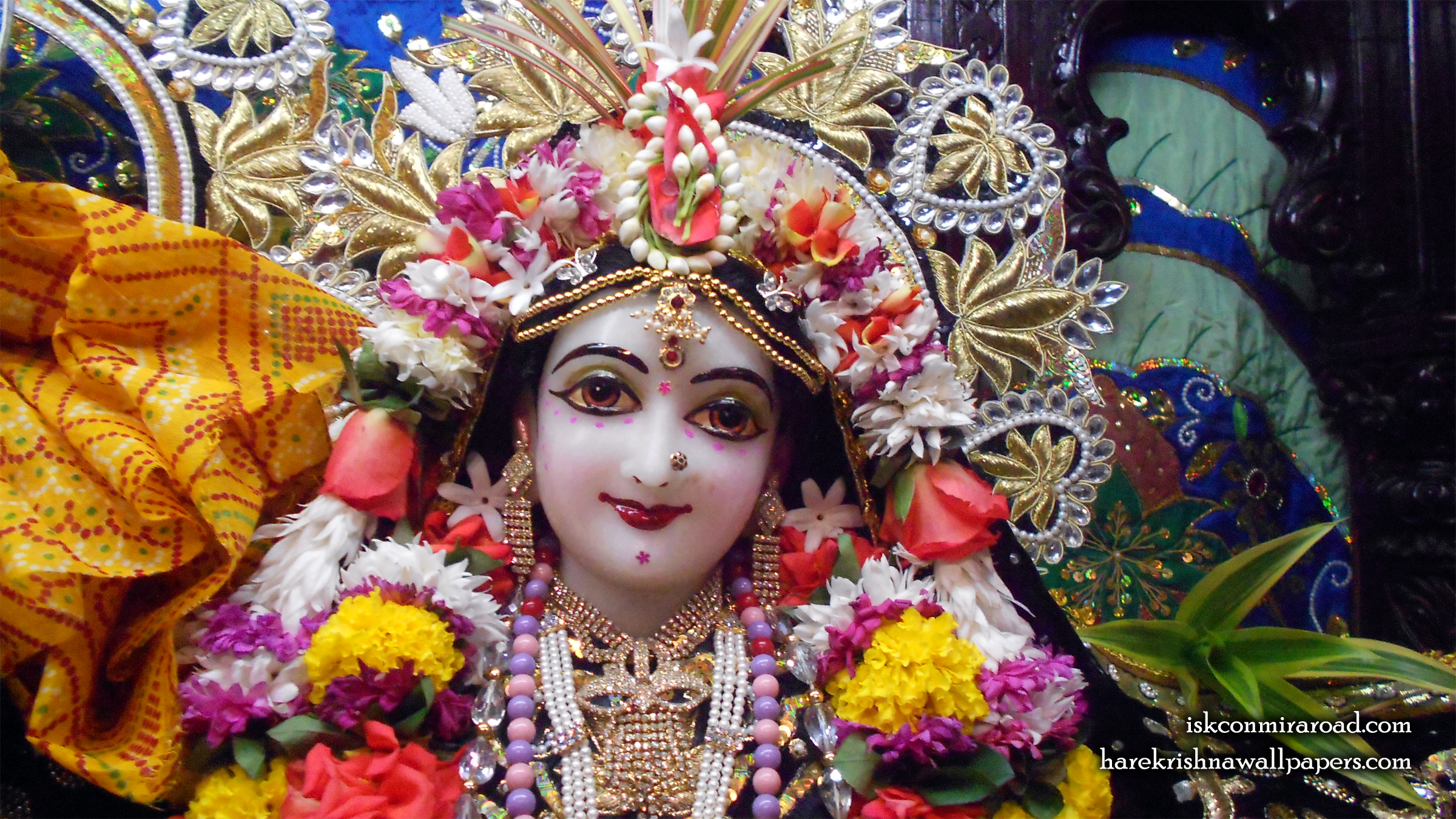 Sri Radha Close up Wallpaper (010) Size 2400x1350 Download