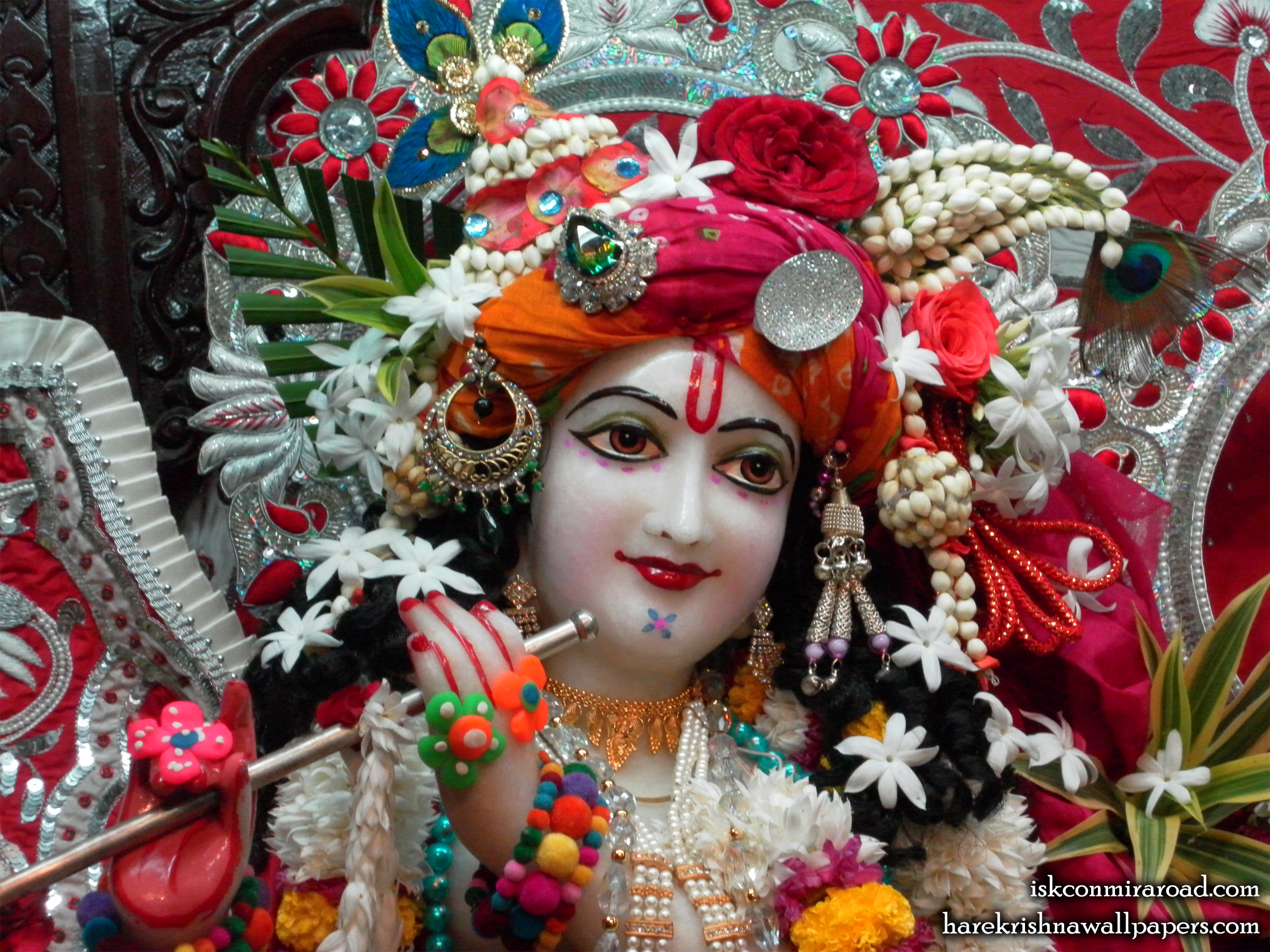 Sri Giridhari Close up Wallpaper (013) Size 2400x1800 Download