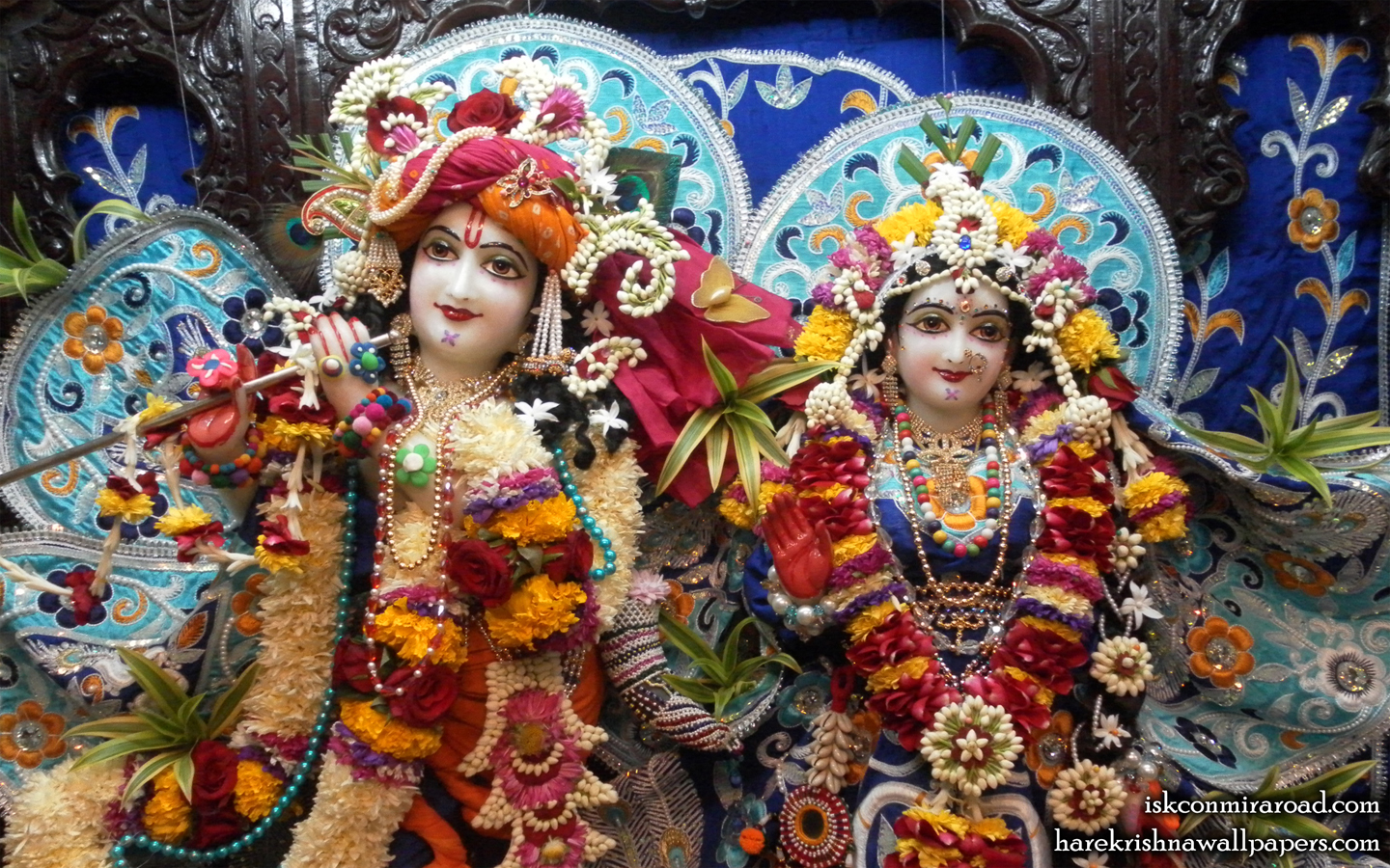 Sri Sri Radha Giridhari Close up Wallpaper (018) Size 1440x900 Download