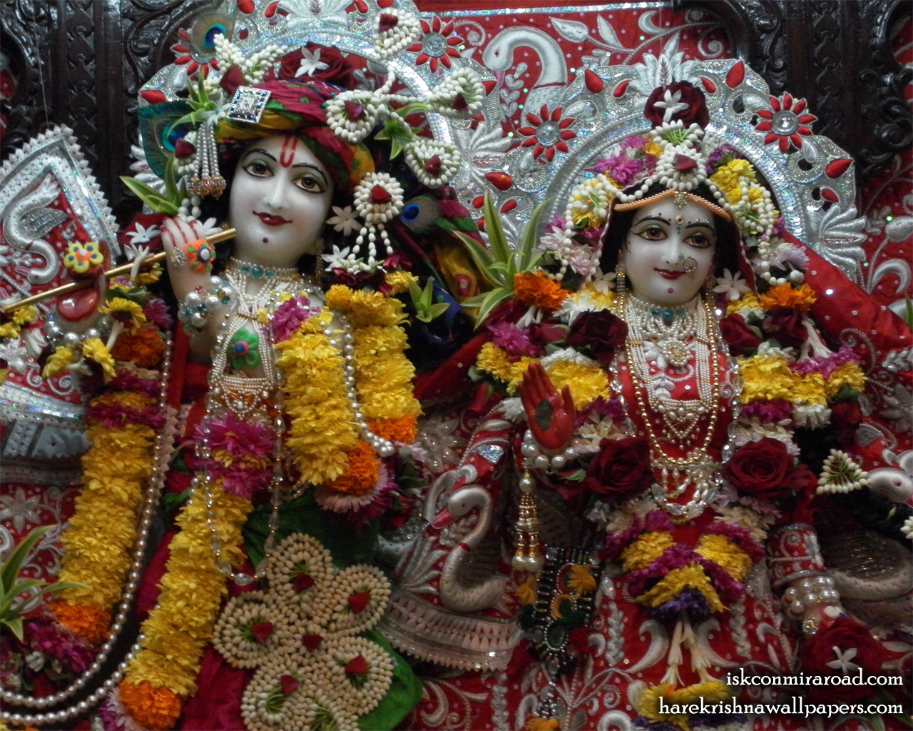 Sri Sri Radha Giridhari Close up Wallpaper (021) Size 1280x1024 Download
