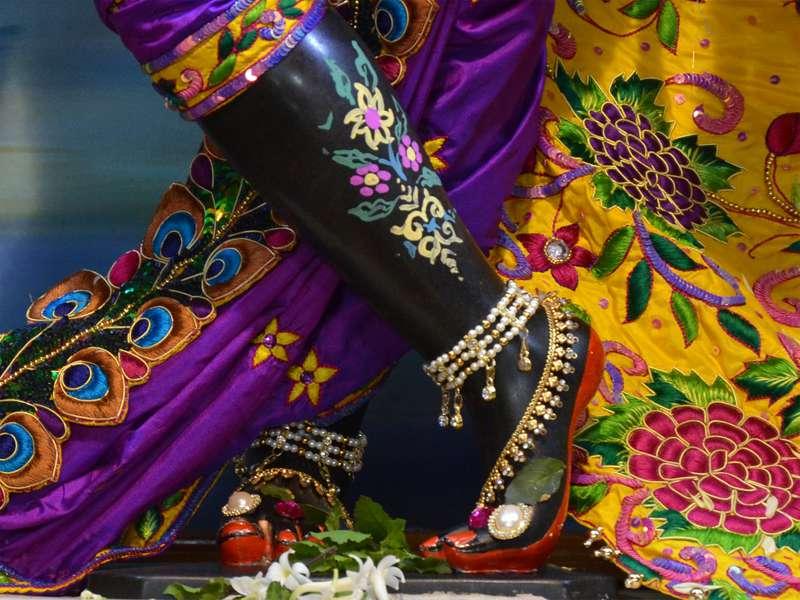 Sri Sri Radha Madan Gopal Close up Wallpaper (003)