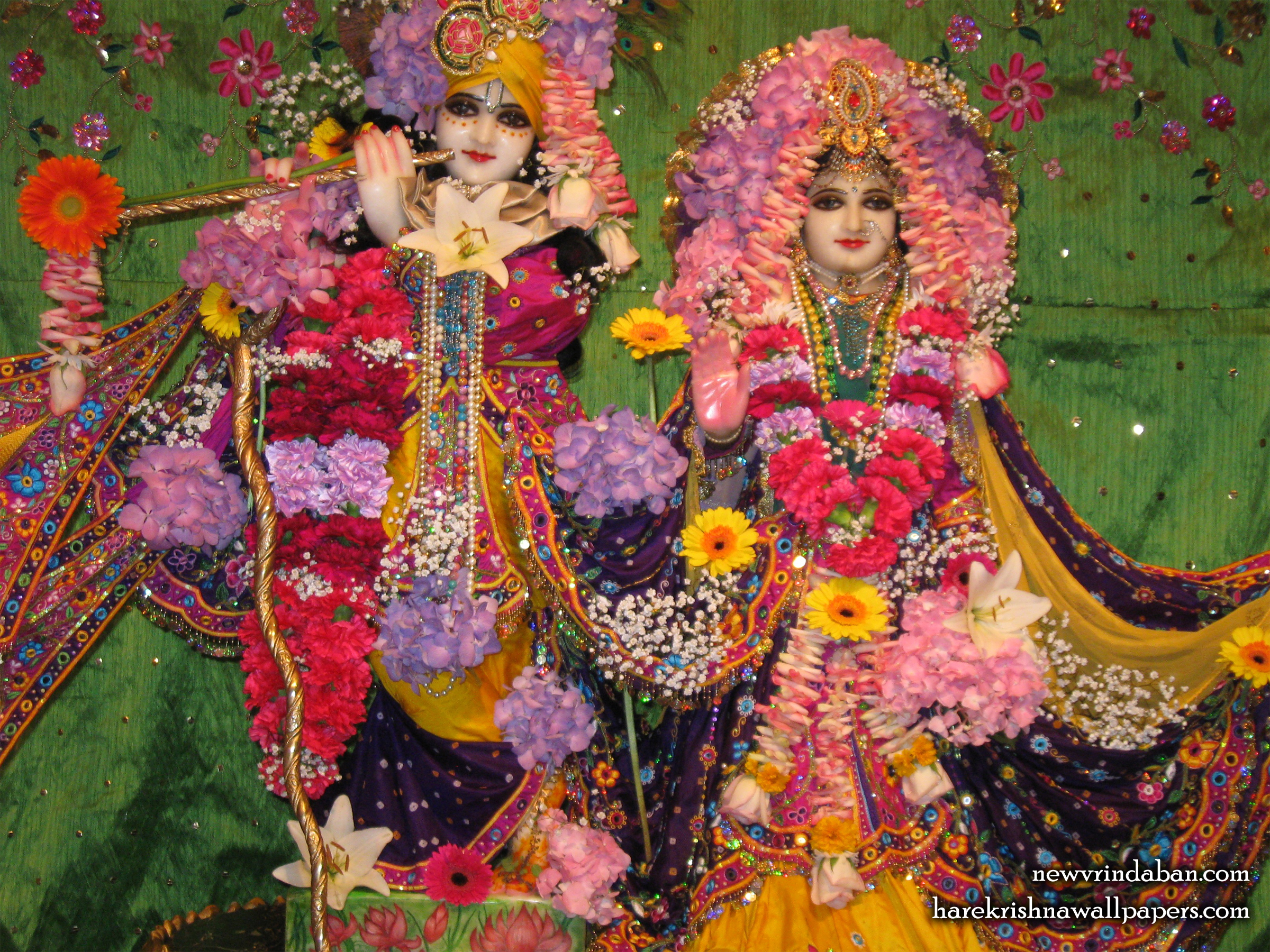 Sri Sri Radha Vrindavana Chandra Wallpaper (004) Size 2400x1800 Download