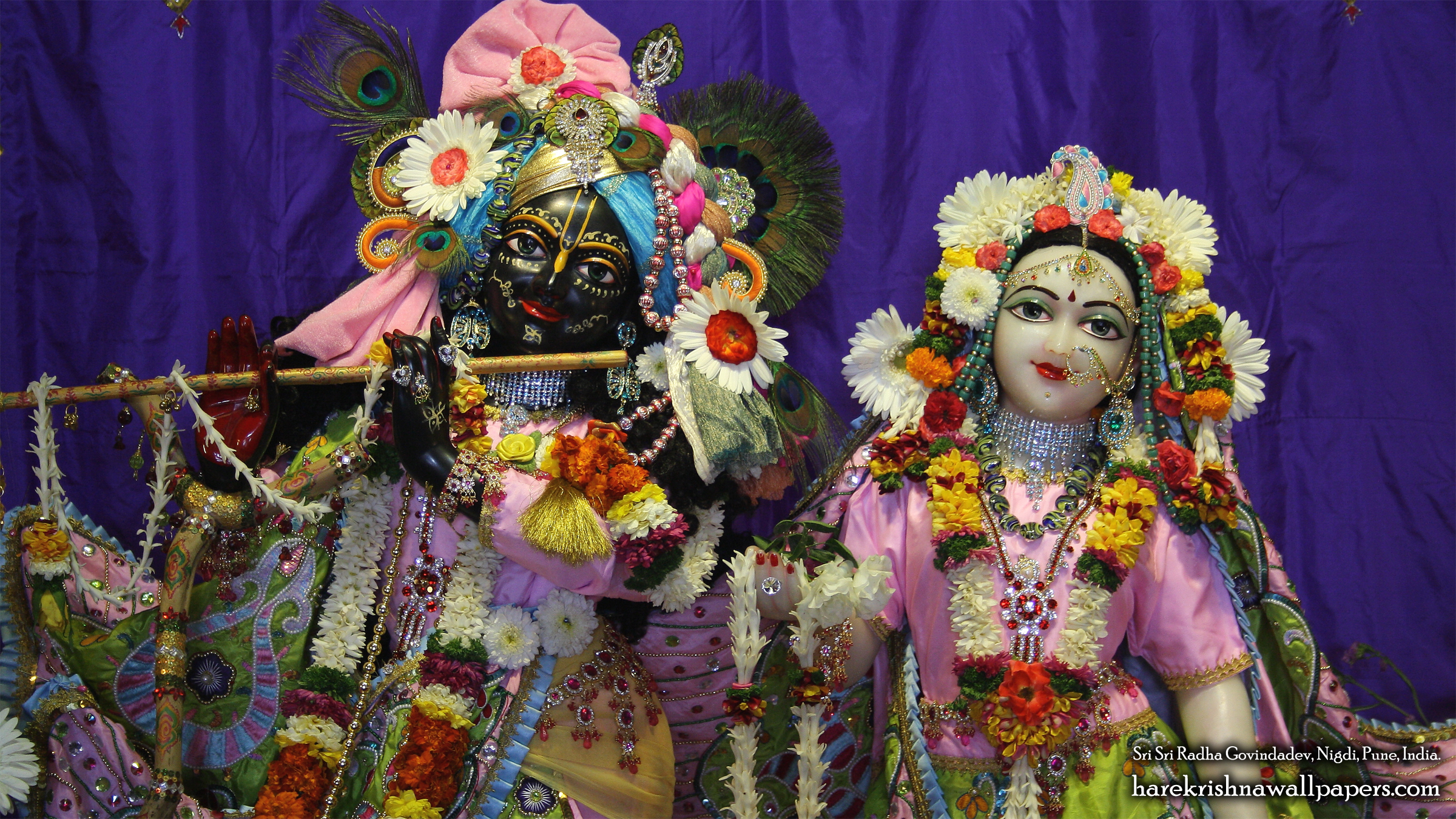 Sri Sri Radha Govind Close up Wallpaper (012) Size 2400x1350 Download