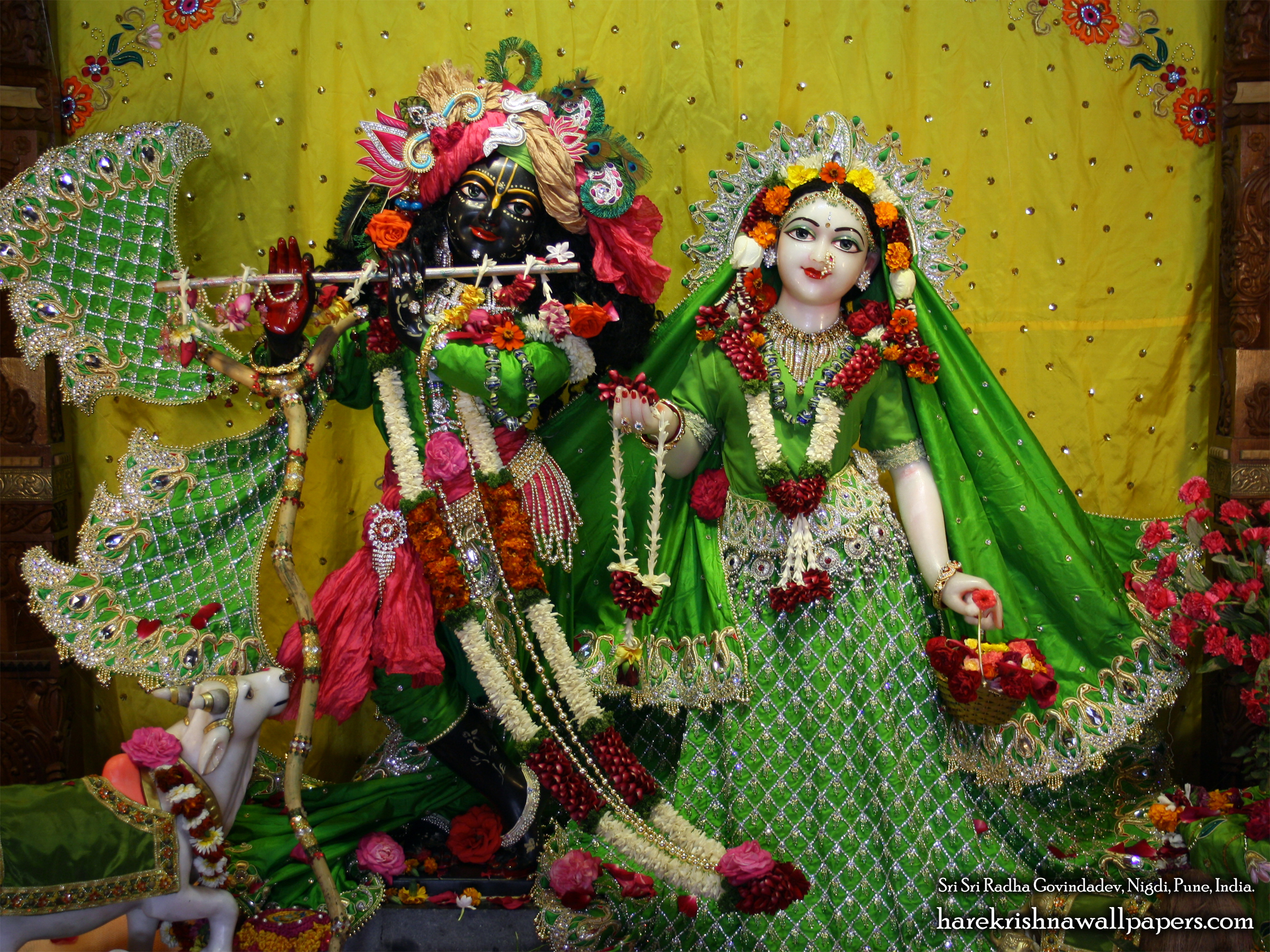 Sri Sri Radha Govind Wallpaper (040) Size 2400x1800 Download