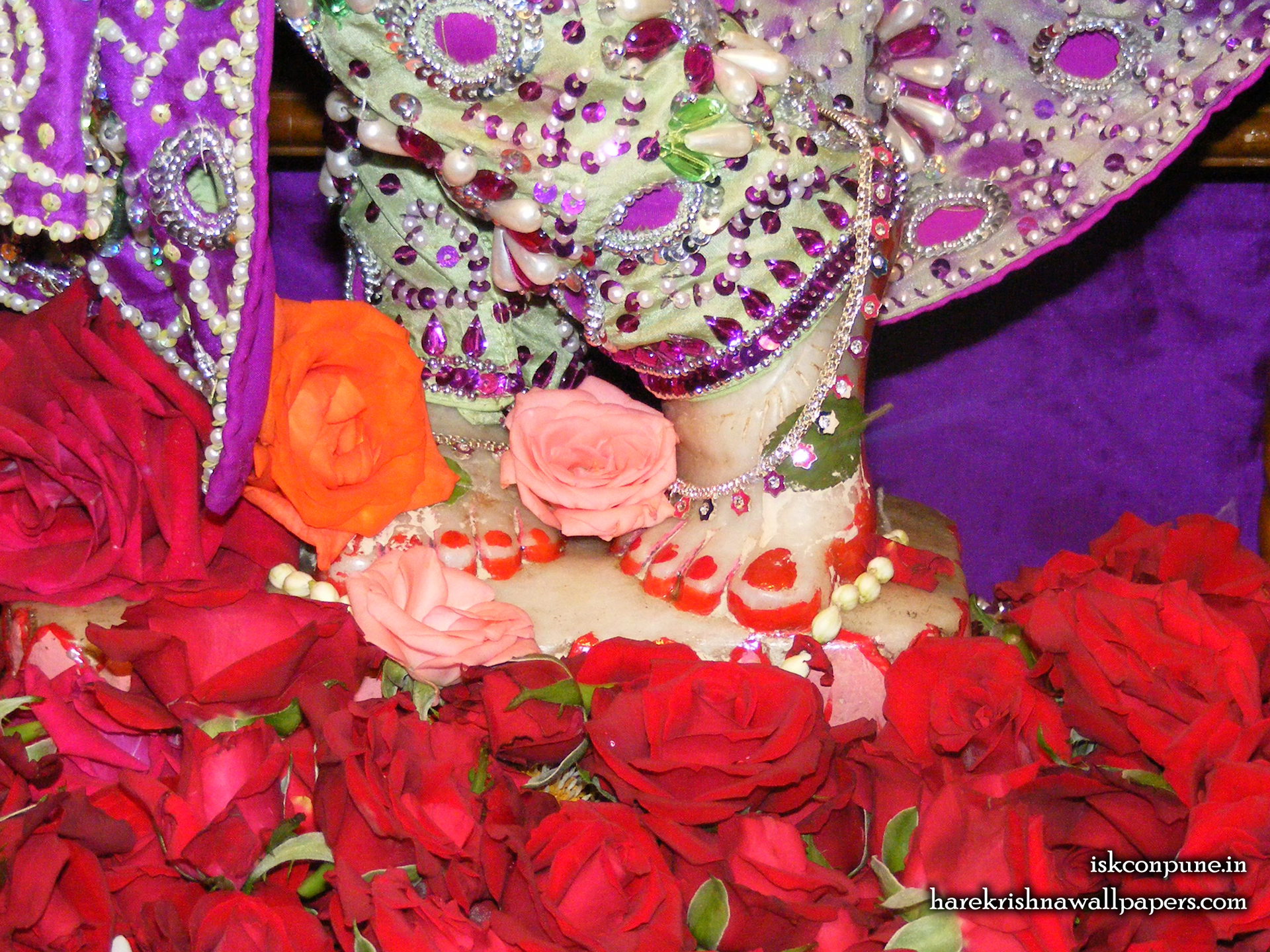 Sri Kunjabihari Feet Wallpaper (001) Size 1920x1440 Download