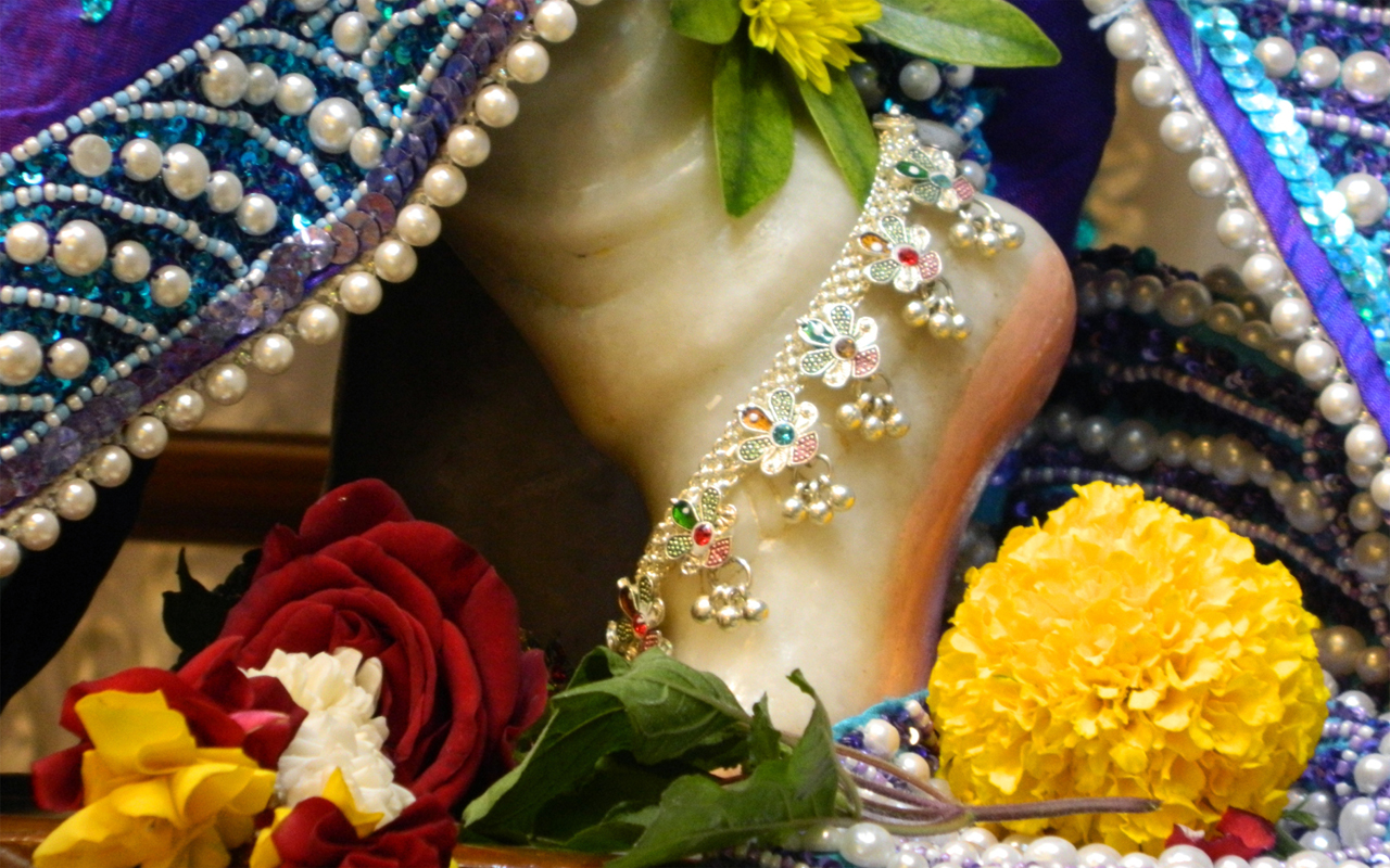 Sri Kunjabihari Feet Wallpaper (003) Size 1280x800 Download