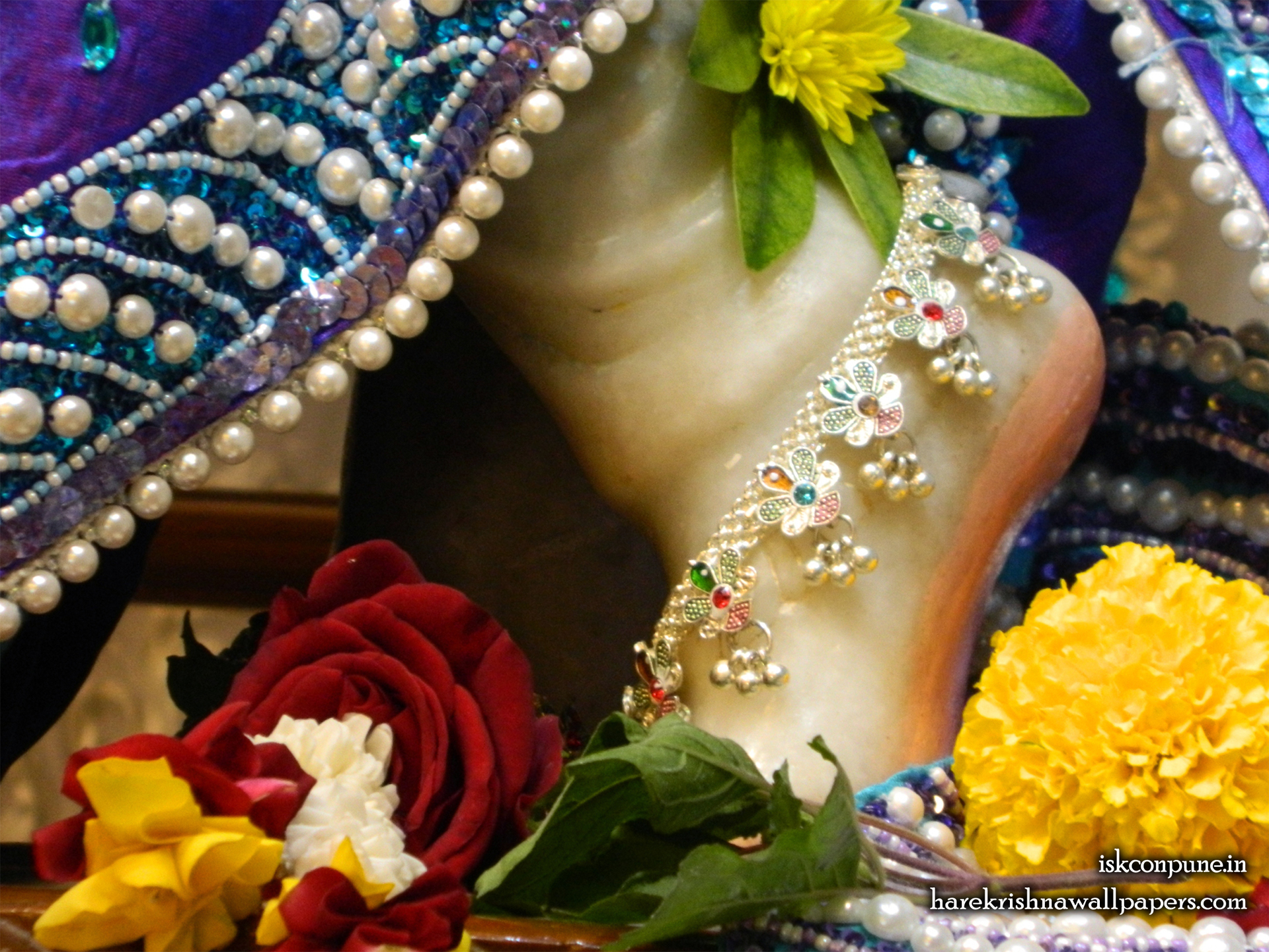 Sri Kunjabihari Feet Wallpaper (003) Size 1920x1440 Download