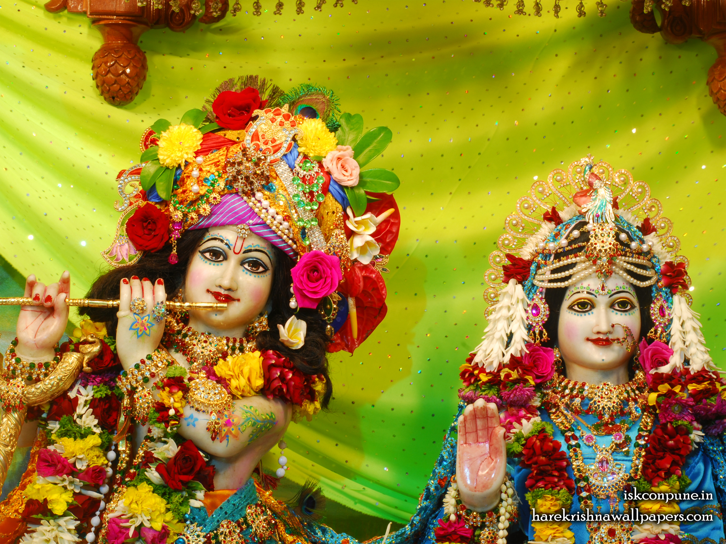 Sri Sri Radha Kunjabihari Close up Wallpaper (006) Size 2400x1800 Download