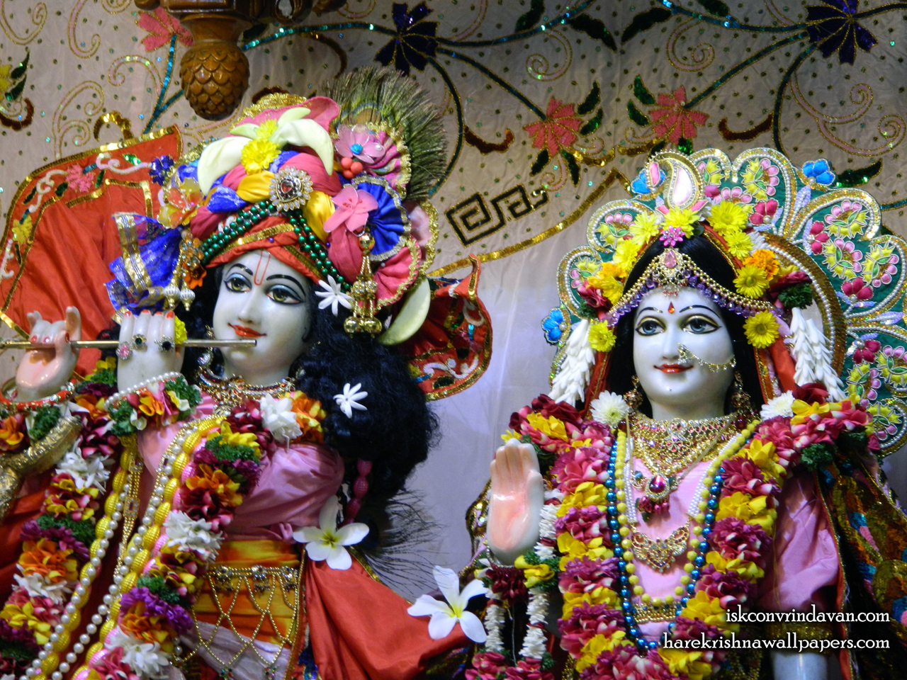 Sri Sri Radha Kunjabihari Close up Wallpaper (015) Size 1280x960 Download