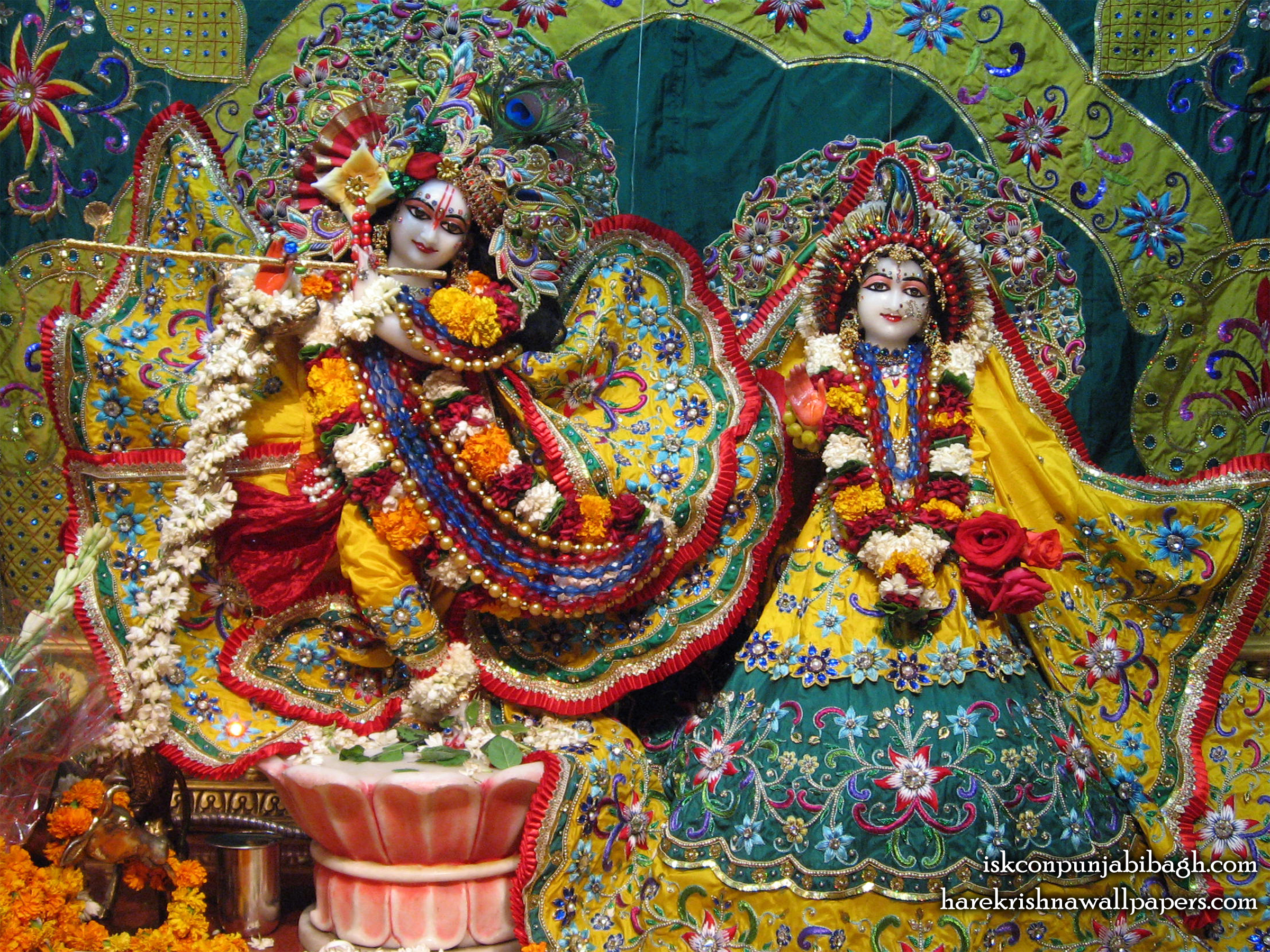 Sri Sri Radha Radhikaraman Wallpaper (007) Size 2400x1800 Download