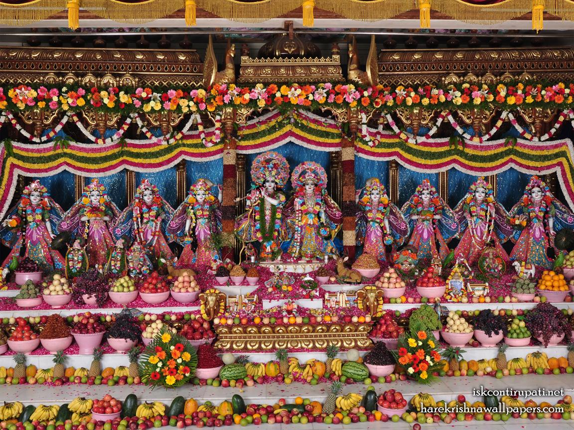 Sri Sri Radha Govinda with Ashtasakhi Wallpaper (001) Size 1152x864 Download