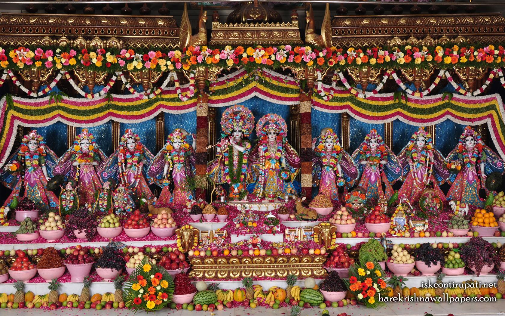 Sri Sri Radha Govinda with Ashtasakhi Wallpaper (001) Size 1680x1050 Download