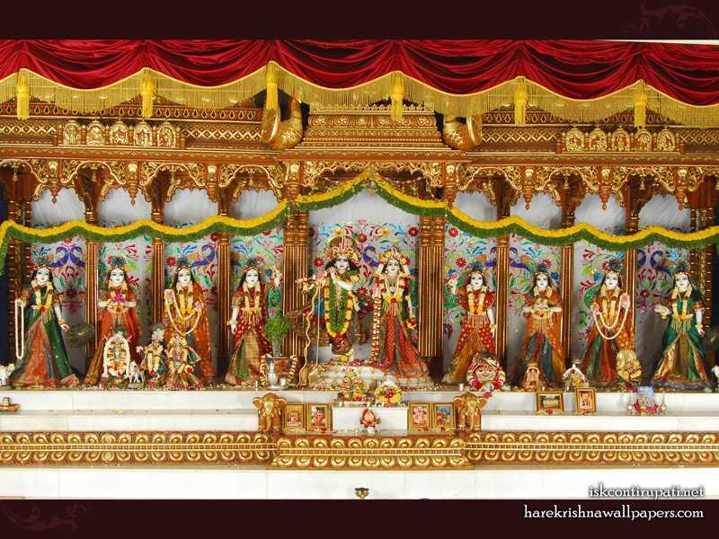 Sri Sri Radha Govinda with Ashtasakhi Wallpaper (002)