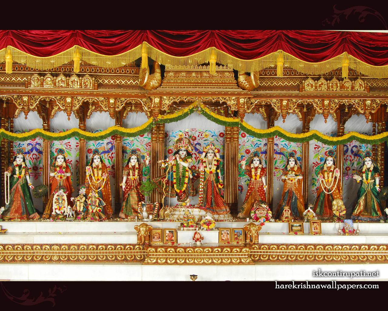 Sri Sri Radha Govinda with Ashtasakhi Wallpaper (002) Size 1280x1024 Download
