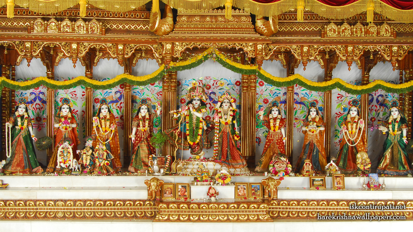 Sri Sri Radha Govinda with Ashtasakhi Wallpaper (002) Size 1600x900 Download