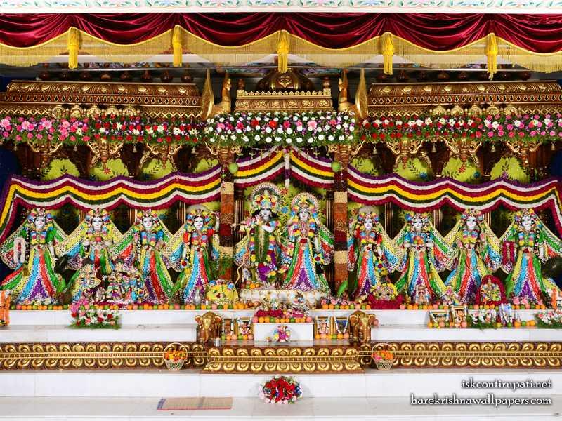 Sri Sri Radha Govinda with Ashtasakhi Wallpaper (003)