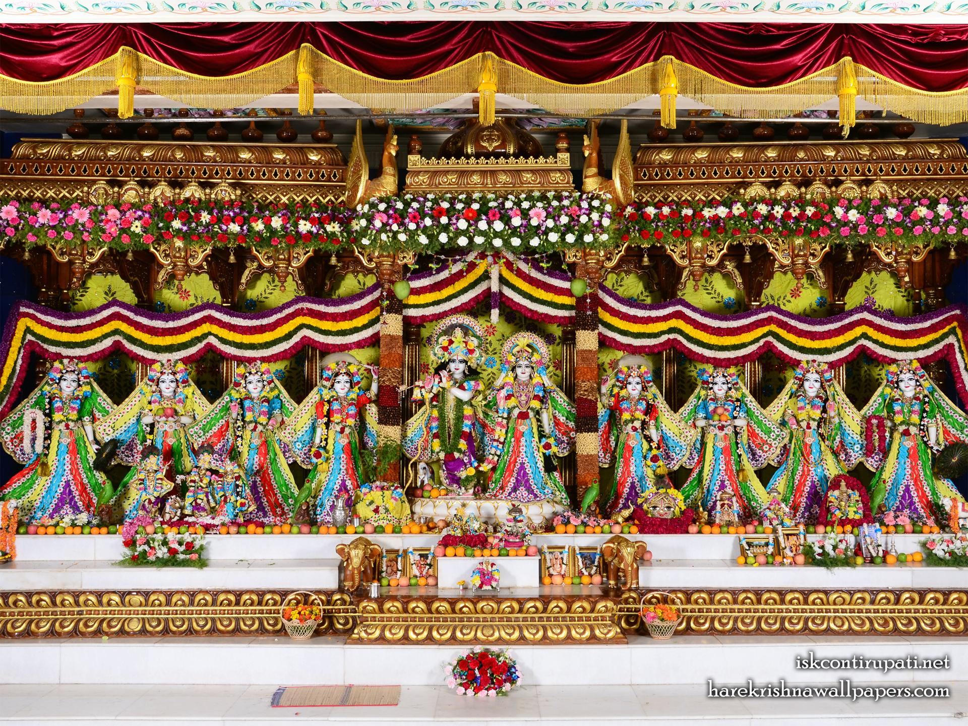 Sri Sri Radha Govinda with Ashtasakhi Wallpaper (003) Size 1920x1440 Download