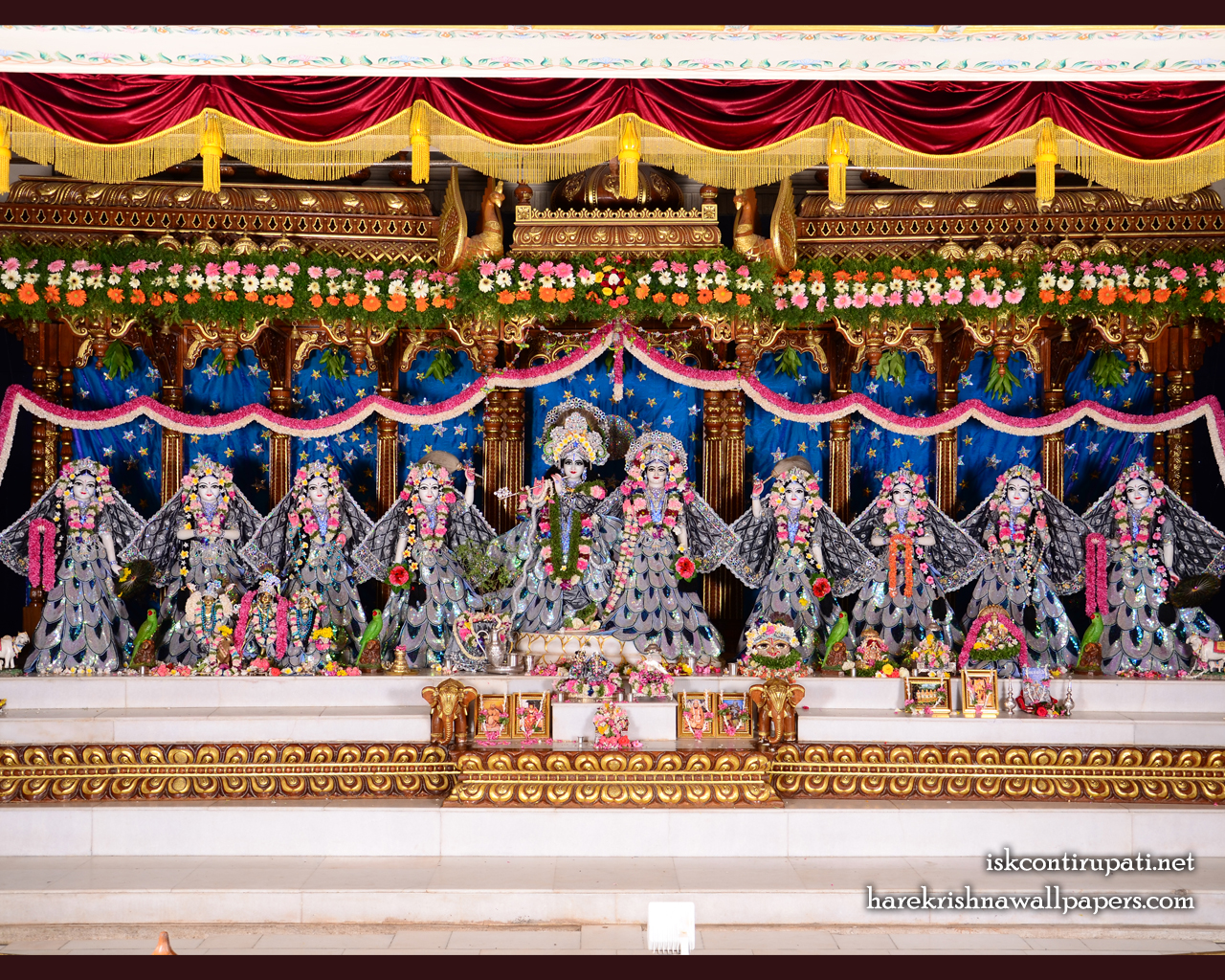 Sri Sri Radha Govinda with Ashtasakhi Wallpaper (004) Size 1280x1024 Download