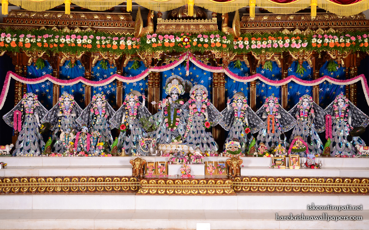Sri Sri Radha Govinda with Ashtasakhi Wallpaper (004) Size 1280x800 Download