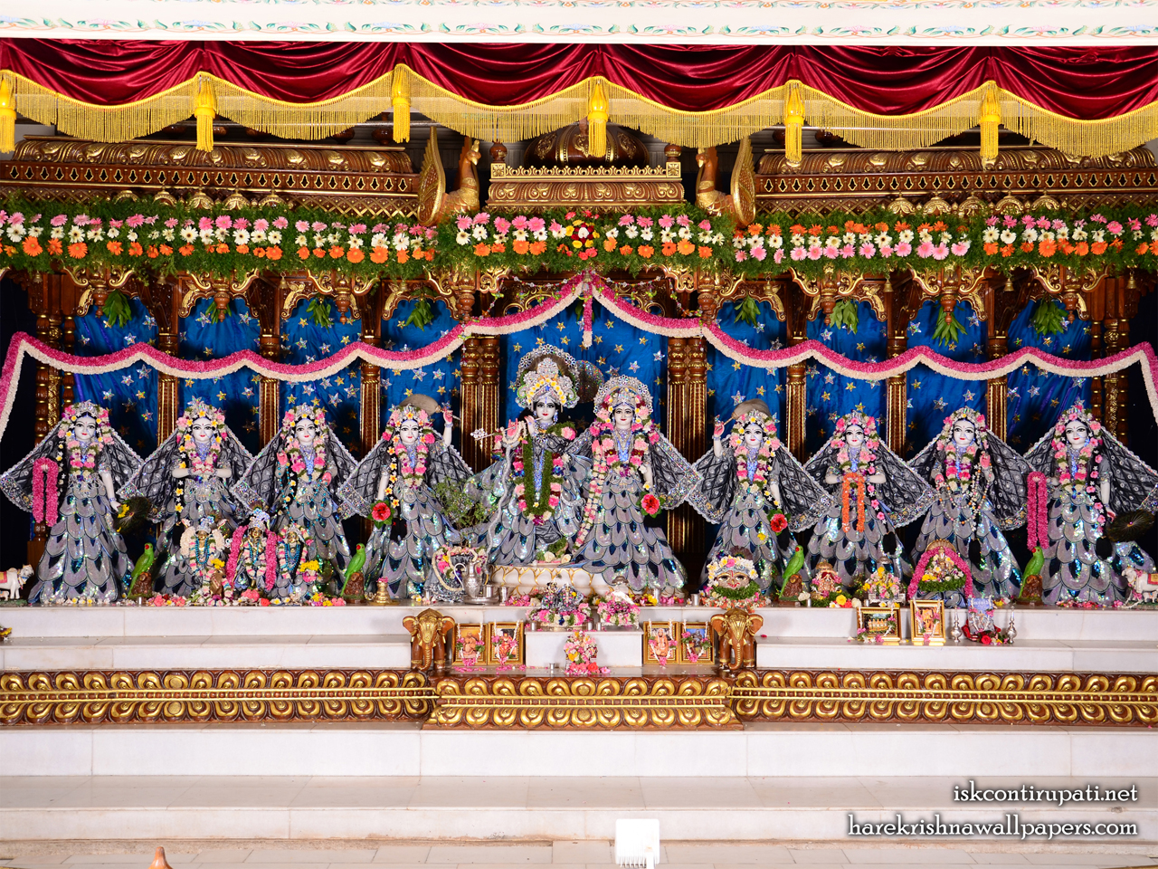Sri Sri Radha Govinda with Ashtasakhi Wallpaper (004) Size 1280x960 Download