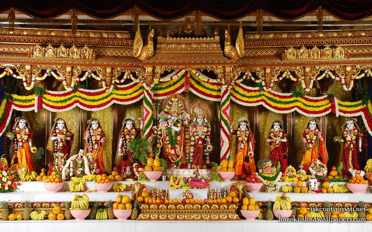 Sri Sri Radha Govinda with Ashtasakhi Wallpaper (005) Size 1280x800 Download