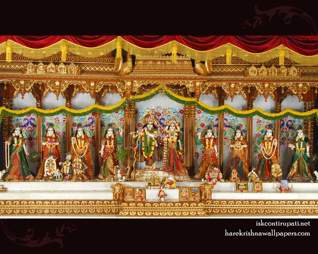 Sri Sri Radha Govinda with Ashtasakhi Wallpaper (006) Size 1280x1024 Download