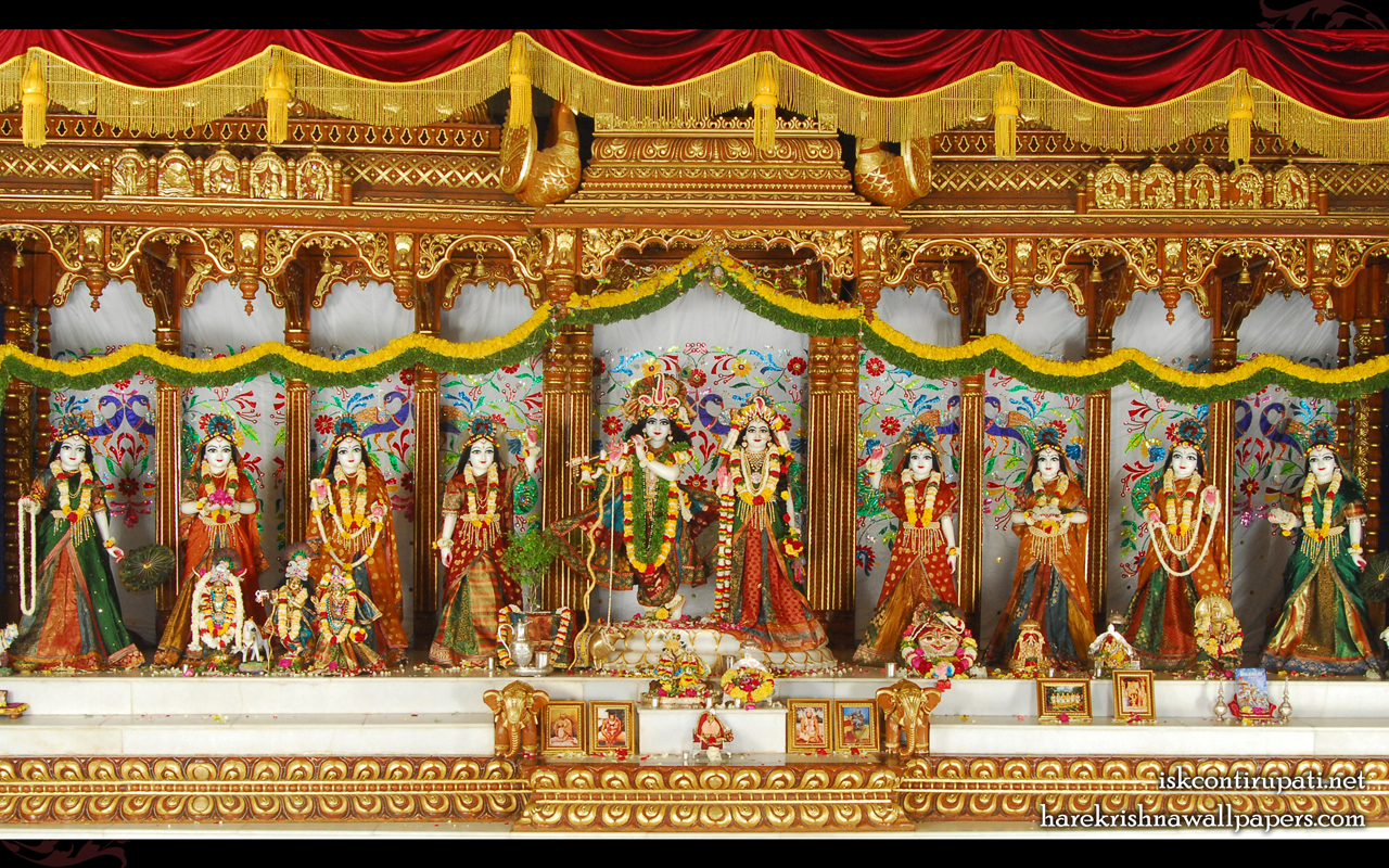 Sri Sri Radha Govinda with Ashtasakhi Wallpaper (006) Size 1280x800 Download
