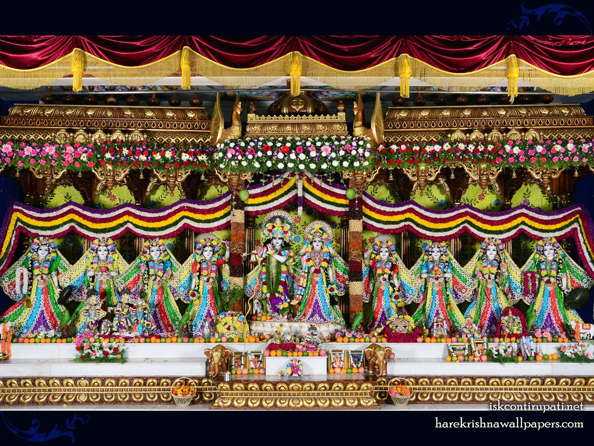Sri Sri Radha Govinda with Ashtasakhi Wallpaper (007) Size 1200x900 Download
