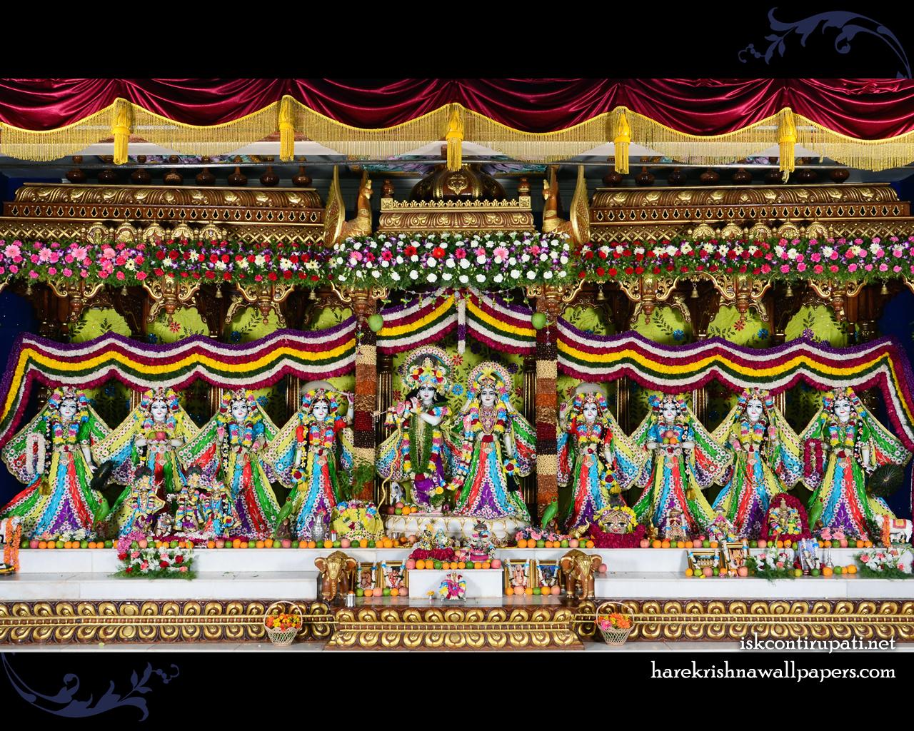Sri Sri Radha Govinda with Ashtasakhi Wallpaper (007) Size 1280x1024 Download