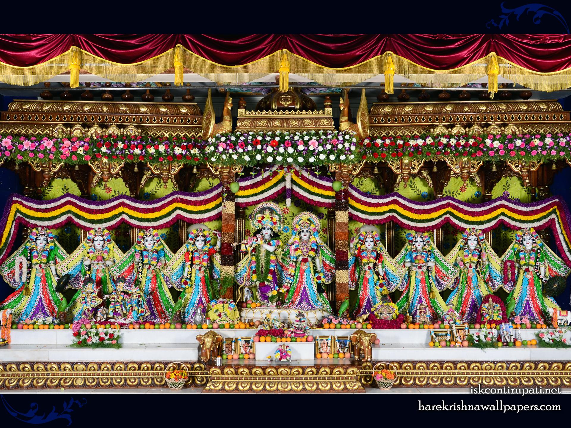 Sri Sri Radha Govinda with Ashtasakhi Wallpaper (007) Size 1920x1440 Download
