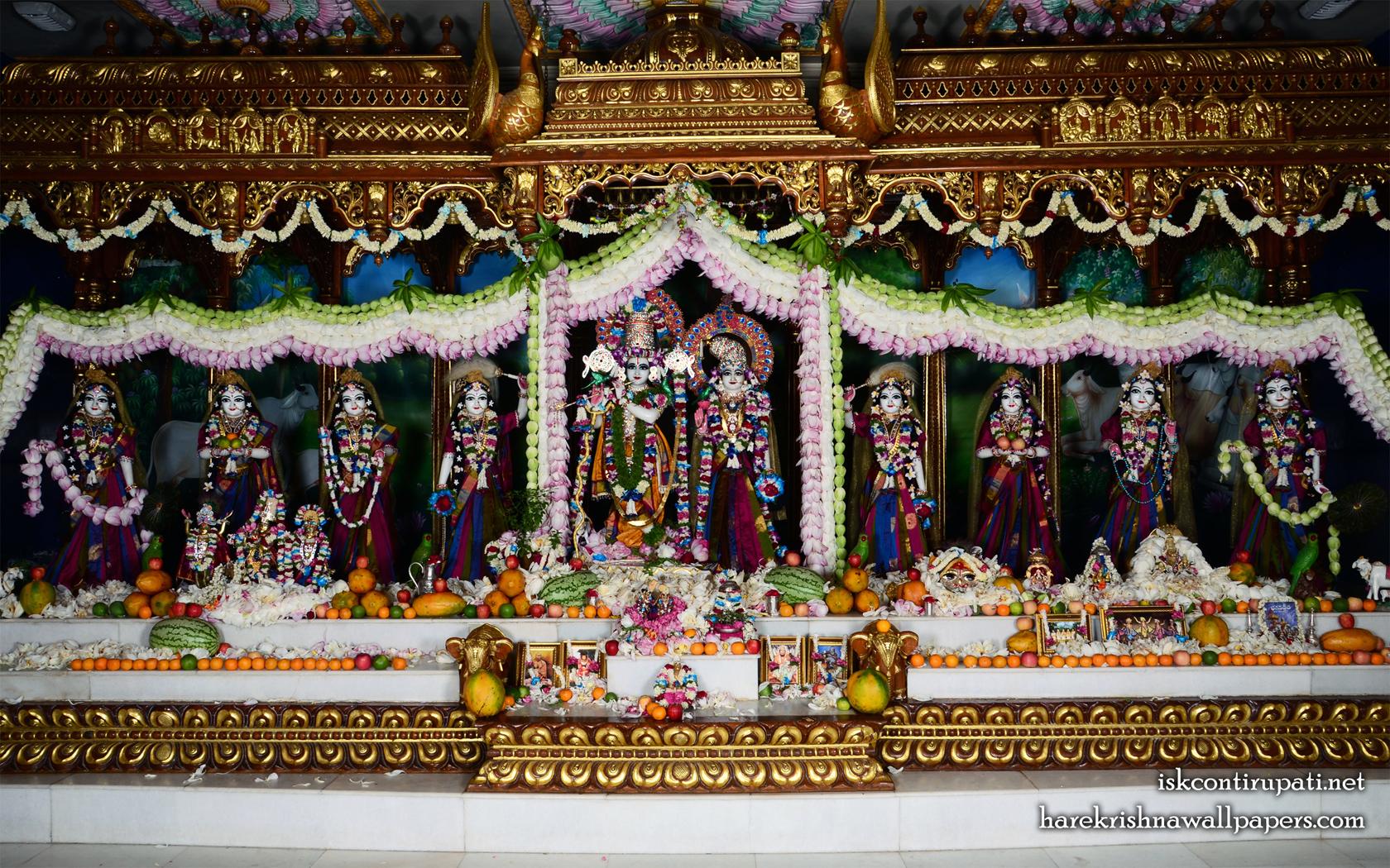 Sri Sri Radha Govinda with Ashtasakhi Wallpaper (008) Size 1680x1050 Download