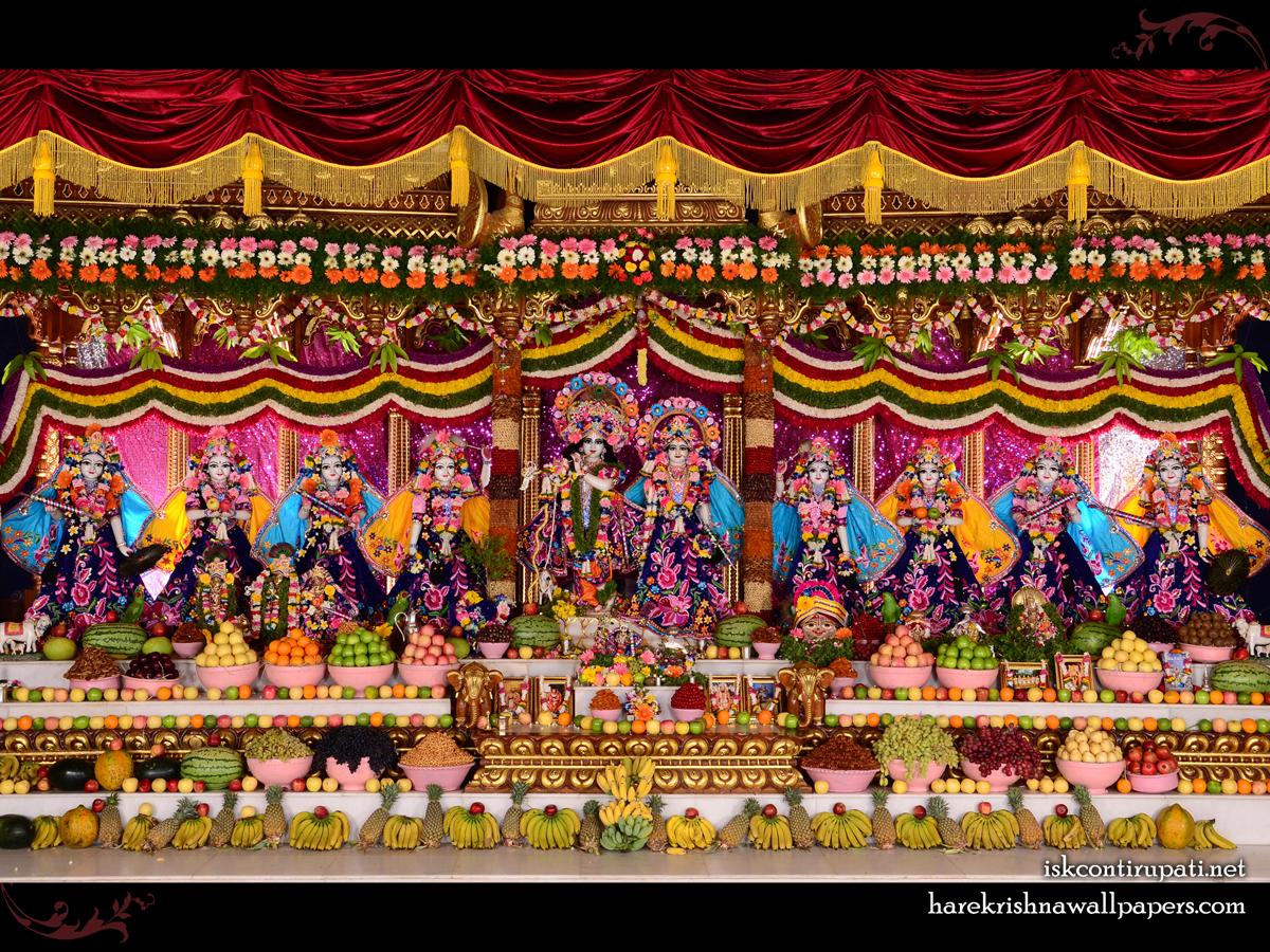 Sri Sri Radha Govinda with Ashtasakhi Wallpaper (009) Size 1200x900 Download