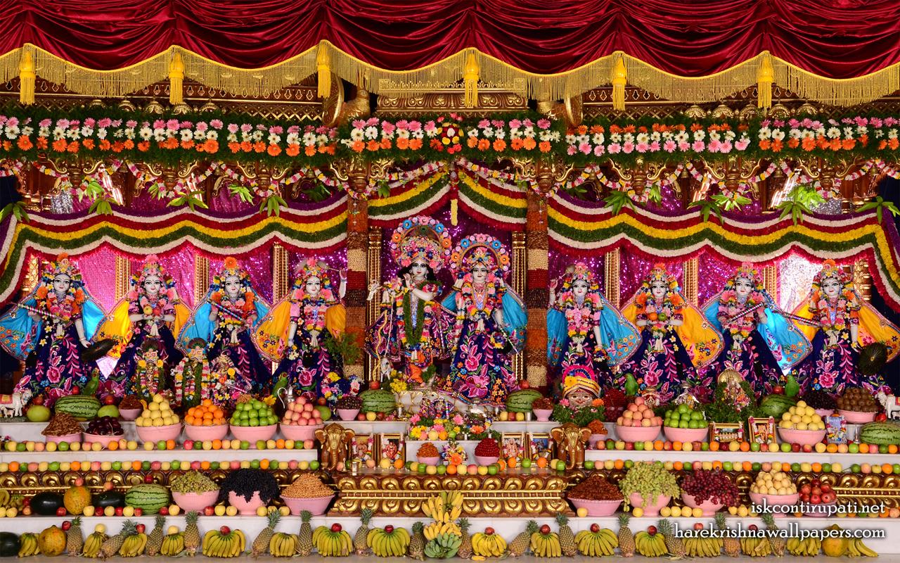 Sri Sri Radha Govinda with Ashtasakhi Wallpaper (009) Size 1280x800 Download