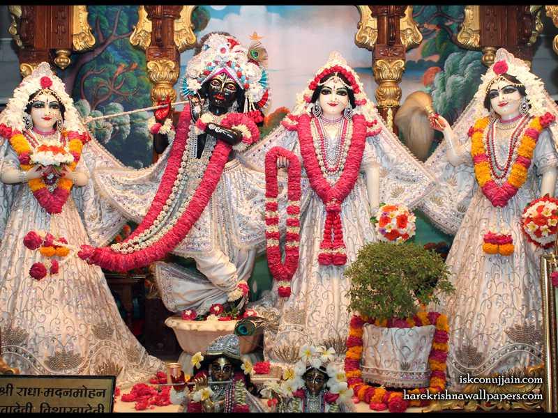 Sri Sri Radha Madanmohan Lalita Vishakha Wallpaper (005)