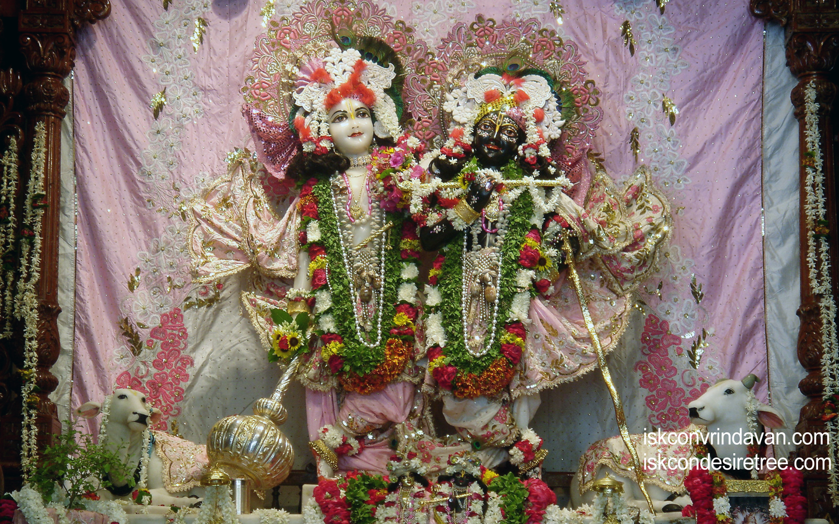 Sri Sri Krishna Balaram Wallpaper (007) Size 1680x1050 Download
