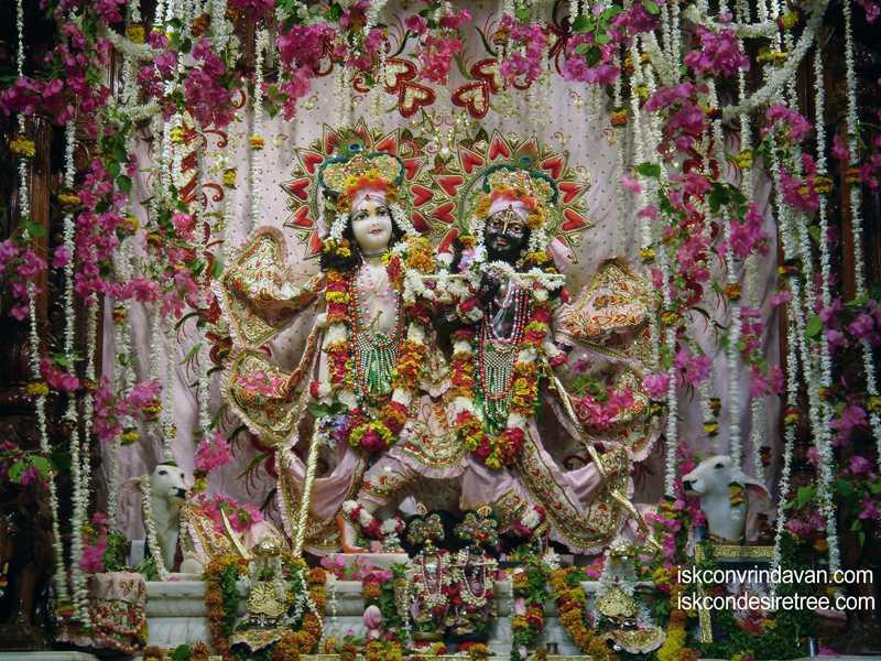 Sri Sri Krishna Balalram Wallpaper (011)