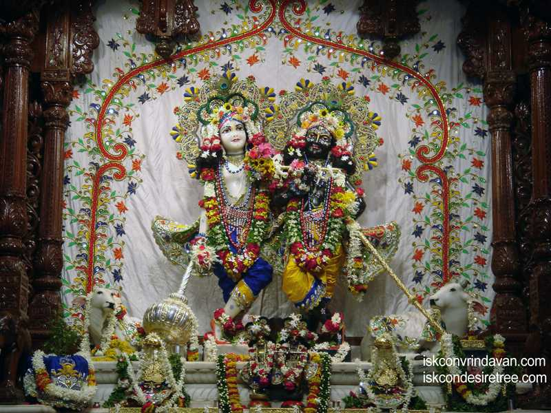 Sri Sri Krishna Balalram Wallpaper (045)