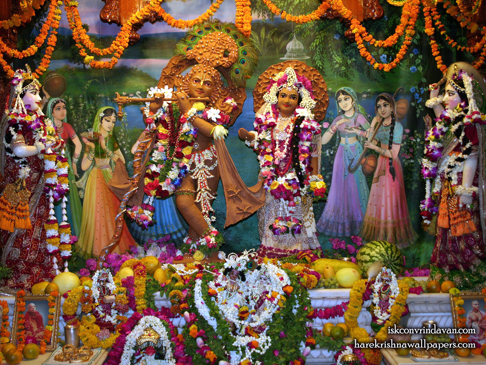 Sri Sri Radha Shyamsundar with Lalita Vishakha Wallpaper (001) Size1600x1200 Download