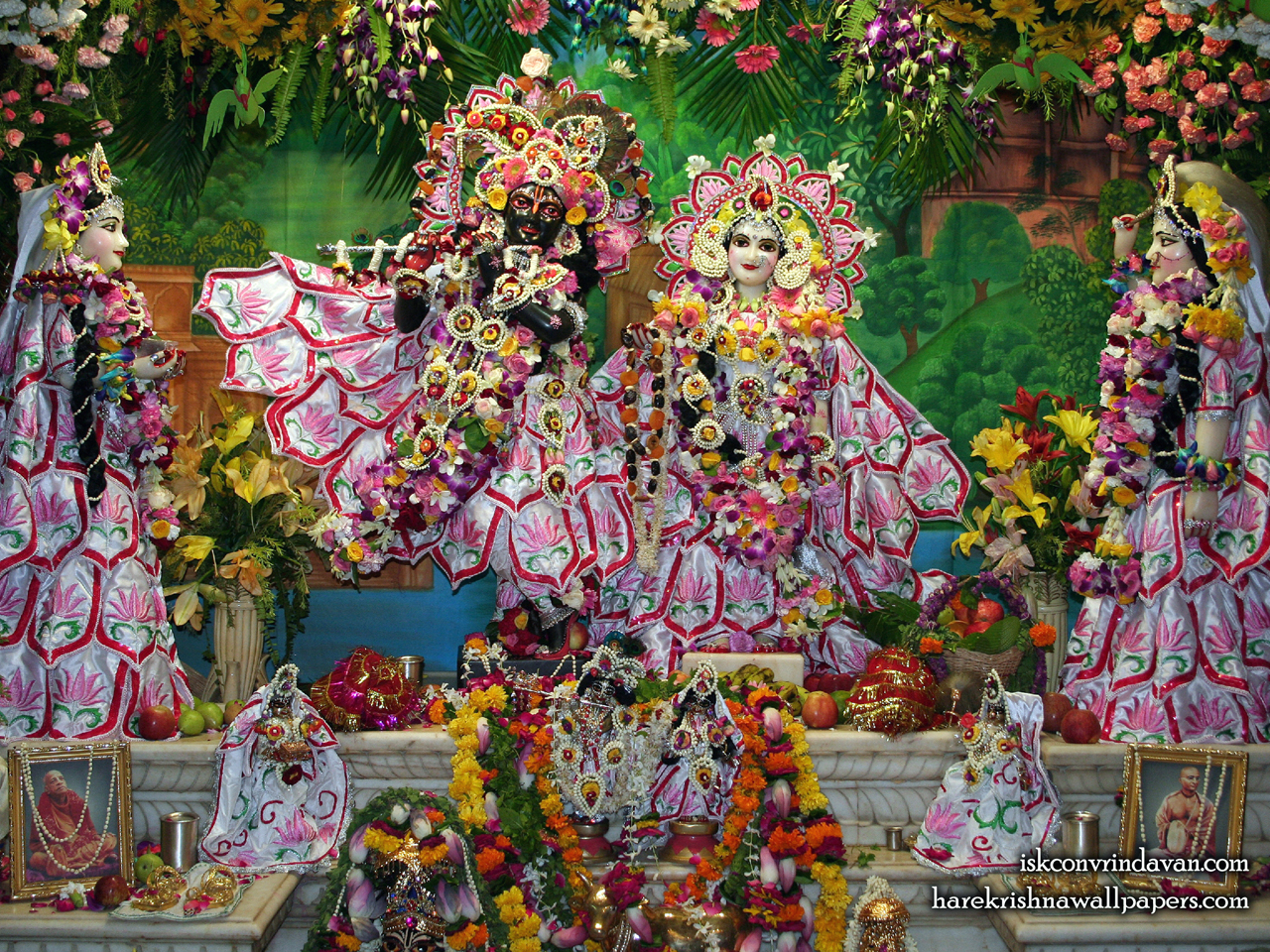 Sri Sri Radha Shyamsundar with Lalita Vishakha Wallpaper (002) Size 1280x960 Download