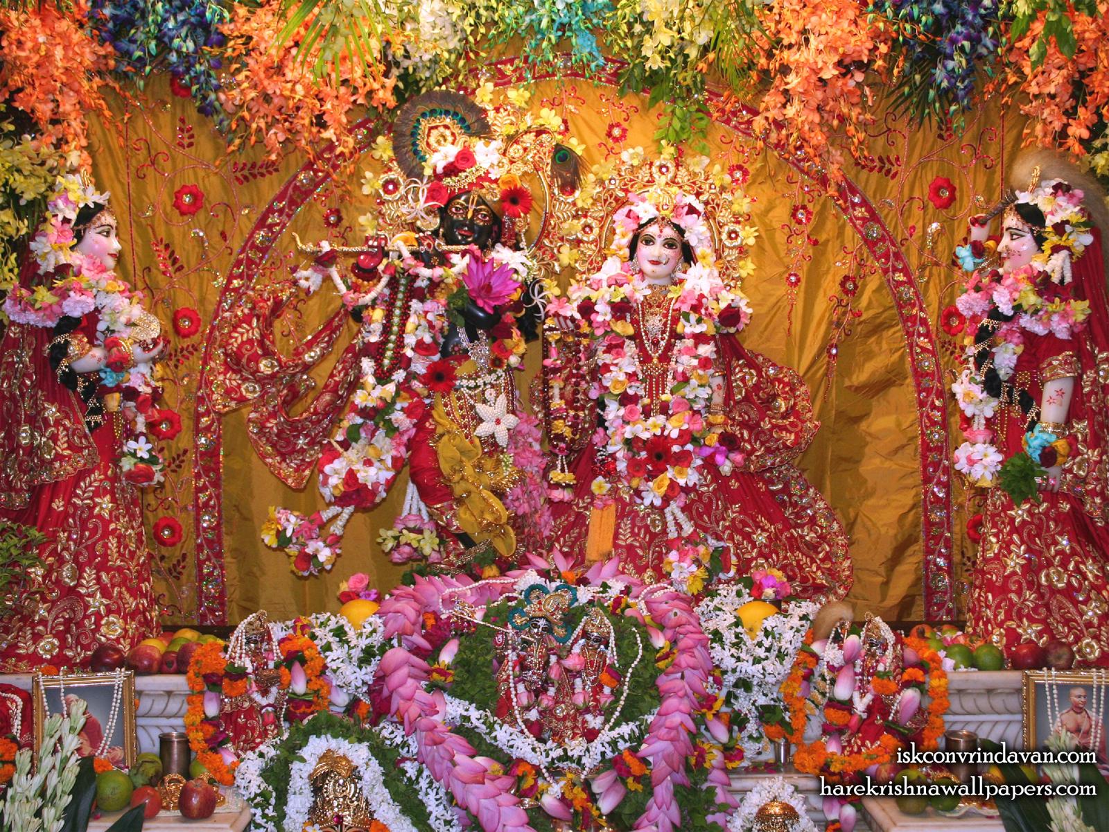 Sri Sri Radha Shyamsundar with Lalita Vishakha Wallpaper (005) Size1600x1200 Download