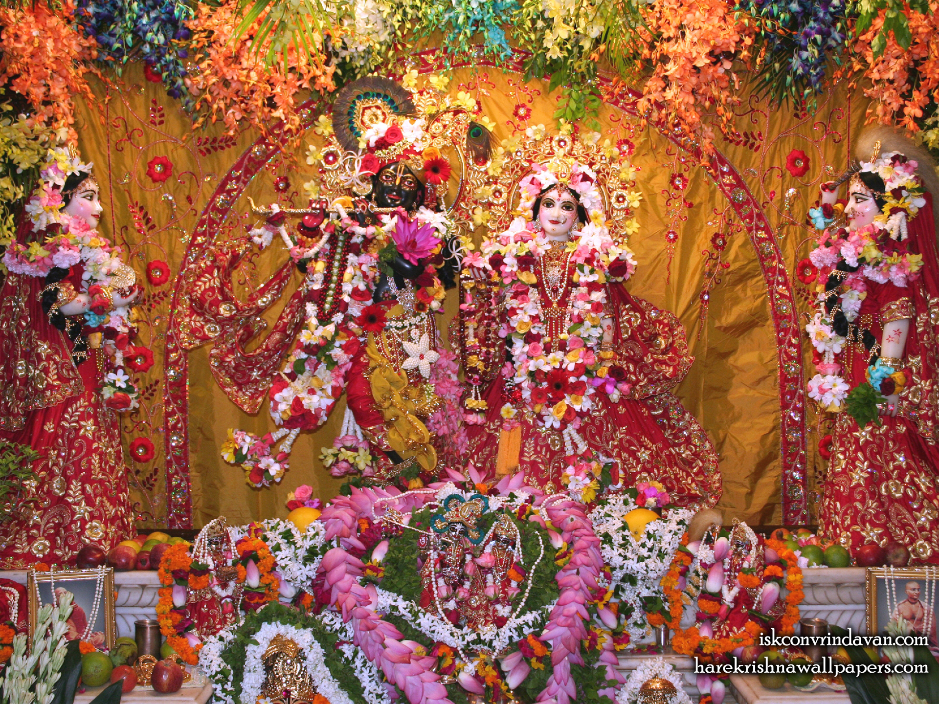 Sri Sri Radha Shyamsundar with Lalita Vishakha Wallpaper (005) Size 1920x1440 Download