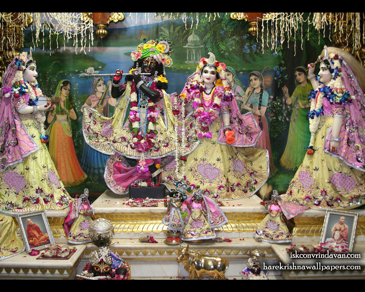 Sri Sri Radha Shyamsundar with Lalita Vishakha Wallpaper (006) Size 1280x1024 Download