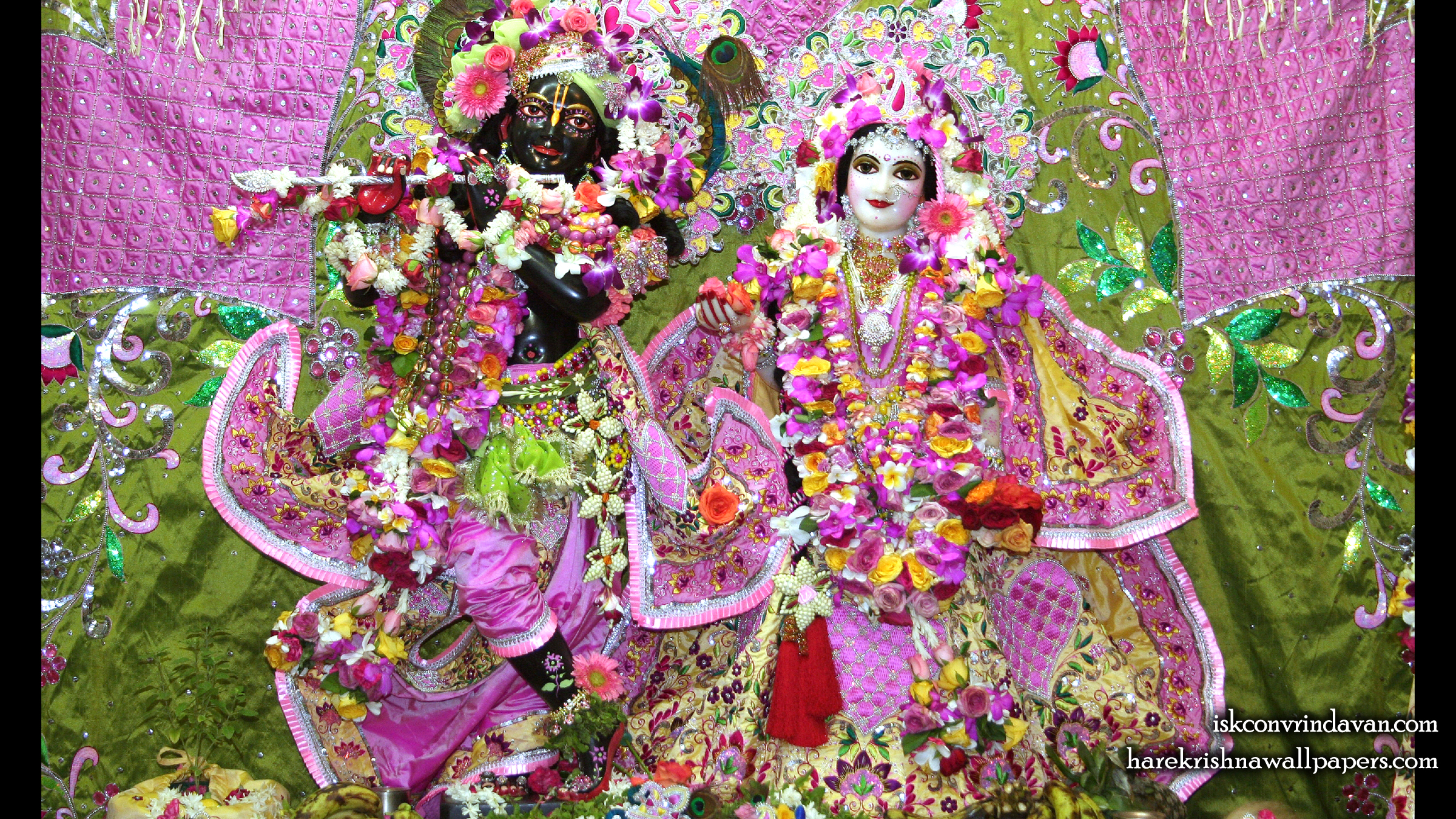 Sri Sri Radha Shyamsundar Wallpaper (009) Size 2400x1350 Download