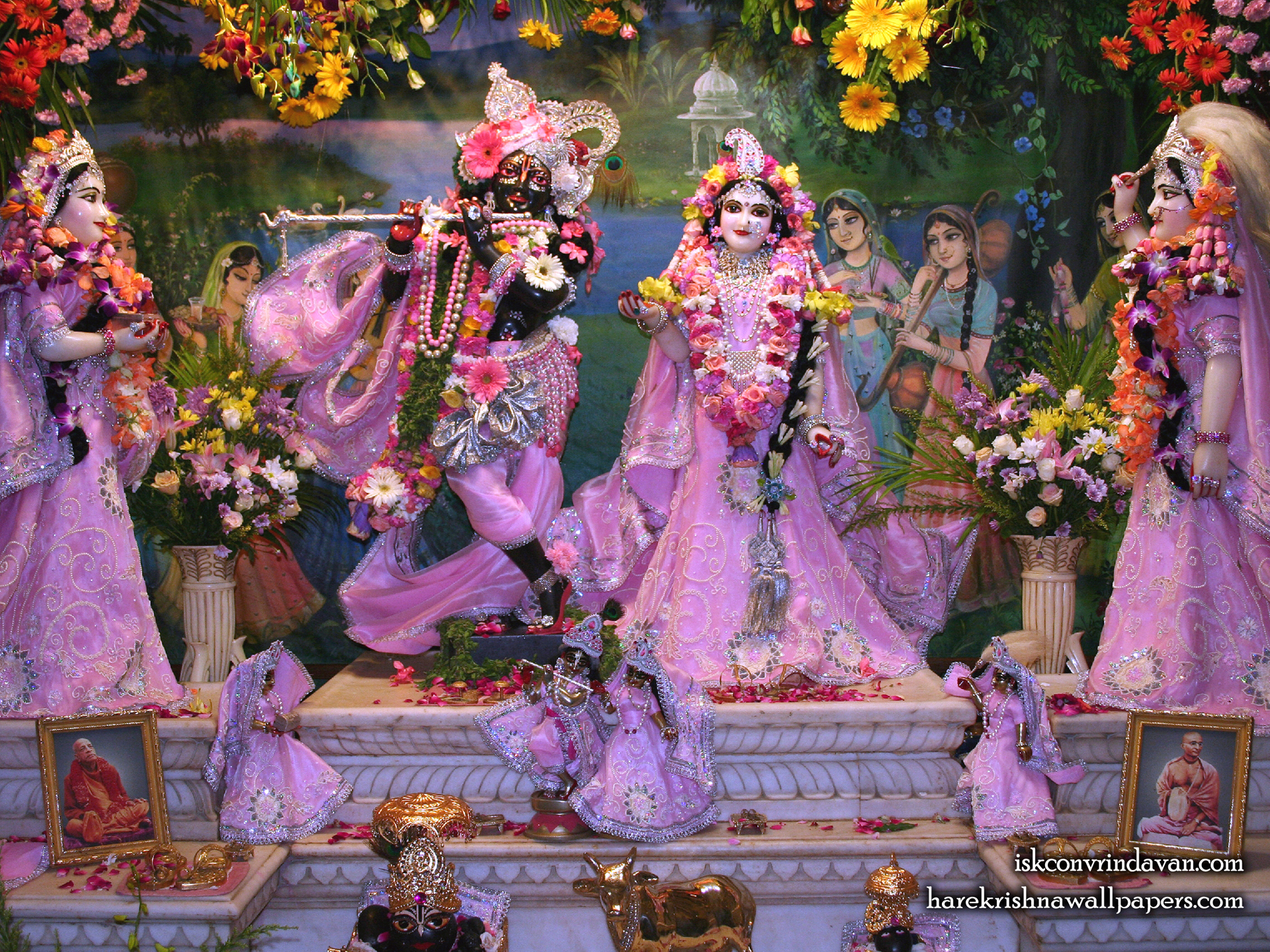 Sri Sri Radha Shyamsundar with Lalita Vishakha Wallpaper (009) Size 1920x1440 Download