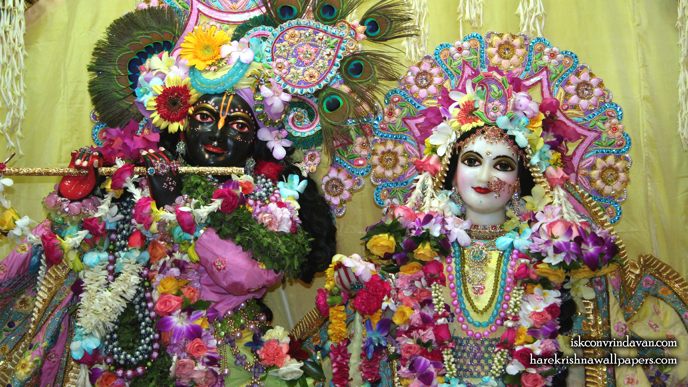 Sri Sri Radha Shyamsundar Close up Wallpaper (011) Size 2400x1350 Download